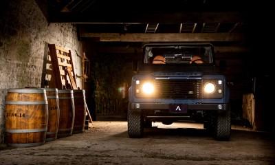 BLUEBELL: Land Rover Defender 90 restored by Arkonik