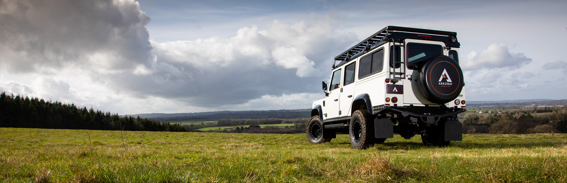 Arkonik Scale - Custom built Land Rover Defender 110
